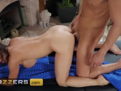 Brazzers - Big tit milf Alexis Fawx cheats with masseur